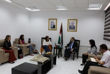 "ASALA meets Minister of National Economy to discuss cooperationThe Palestinian Businesswomen's Association ""ASALA"" met the Minister of National Economy Dr. Khalid Al-Asaily to discuss the cooperation between the two parts regarding the national campaign w"
